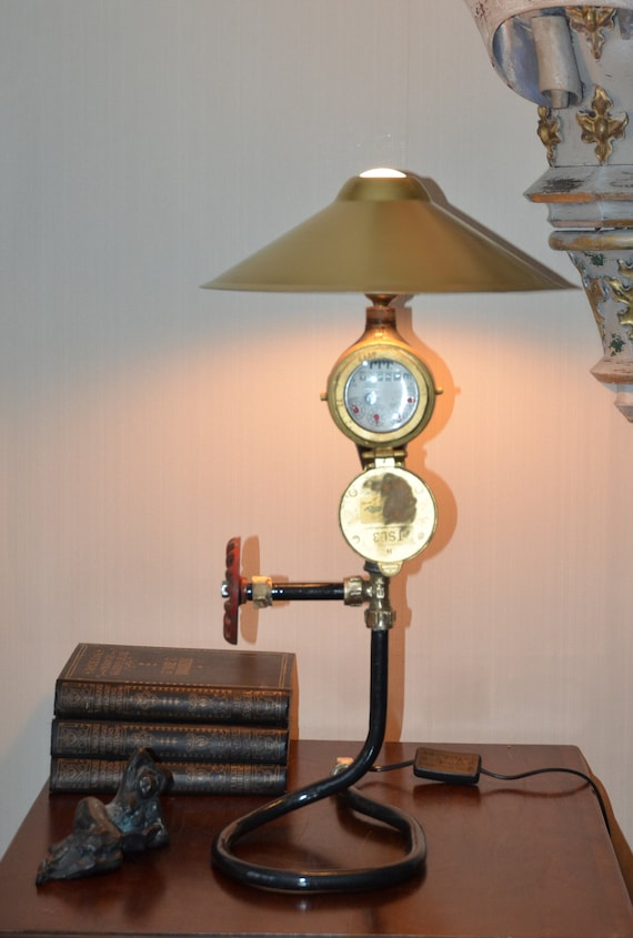 Sold Lampada Steampunk Con Metro Dell Acqua Di Bronzo Industriale E Bella