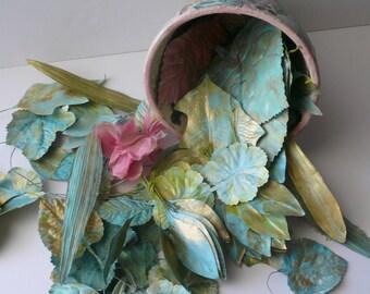 Peint à la main de verdure chapellerie vintage soie feuilles mariage d'or Aqua Craft modiste par VintageStudioSupply