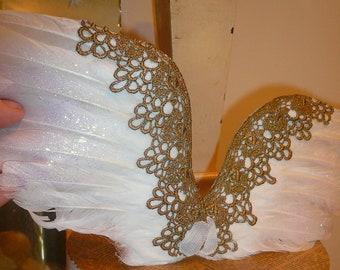 Ailes d'ange ailes plume blanche fée or ailes de Costume de poupée par VintageStudioSupply