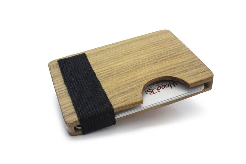 High quality credit card holder made of wood  akazie  Credit image 0