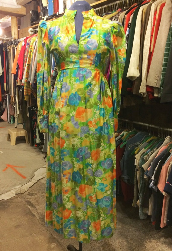 Vintage 1970s Hawaiian Hostess Dress - Floral Dres