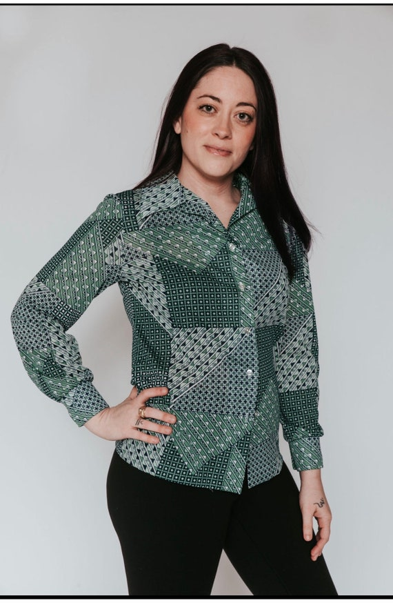 1970s green funky print polyester blouse