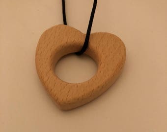 Heart necklace // Wooden heart  // Heart Teething necklace // Nursing necklace // Breastfeeding necklace // New mom gift