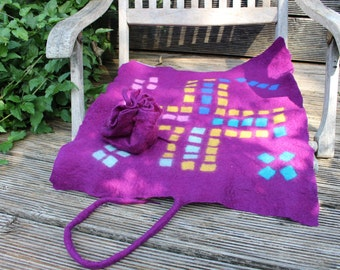 """Seat cushion """"to go"""" in purple with game"""