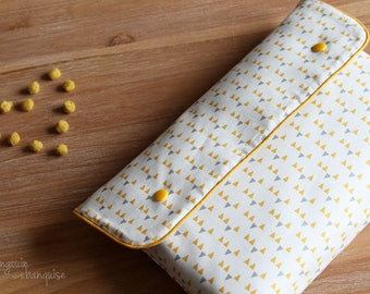 Diaper pouch and changing pad mattress Nomad - mustard / pineapple