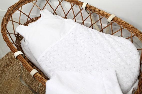 gigoteuse en broderie anglaise dors bien linge de lit b b. Black Bedroom Furniture Sets. Home Design Ideas