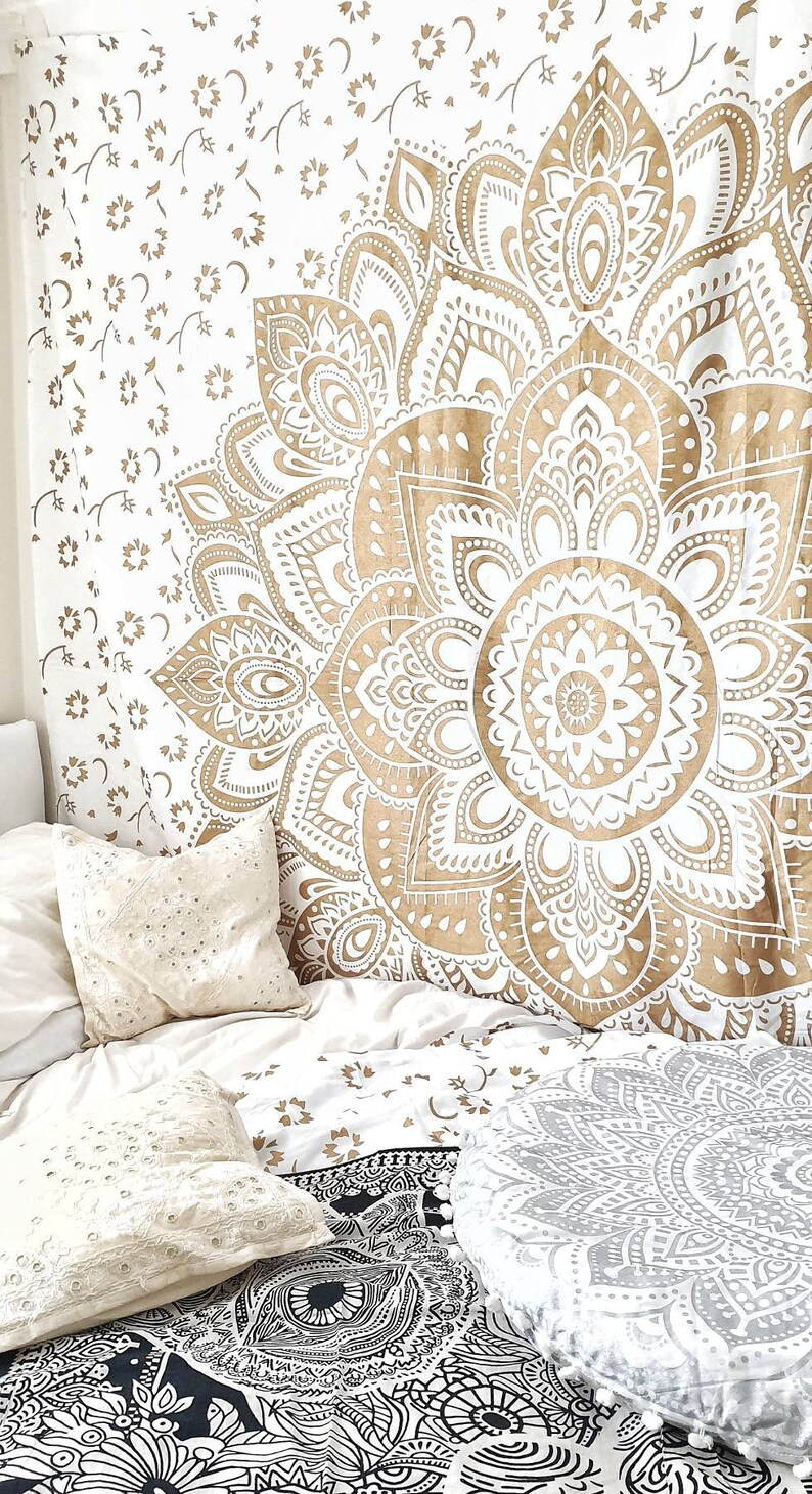 Silver and Gold Sofa Throw Double Bed Sheet Boho Picnic Blanket Garden Party Furniture Throw Large Bohemian Lotus Wall Tapestry