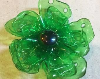 Sp10 - Green Plastic Flower Brooch