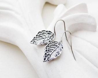 Dainty Silver Leaf Earrings | Silver Earrings
