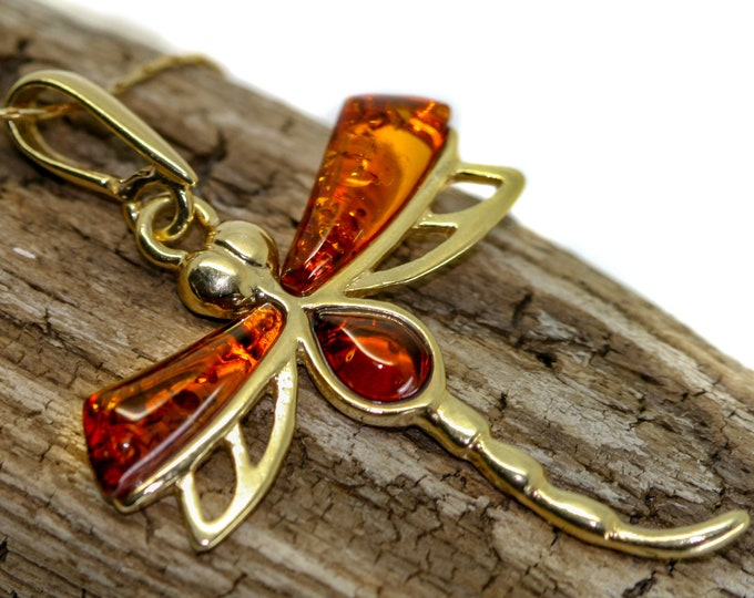 Amber & Gold. Dragon fly Baltic amber pendant, gold necklace. Perfect gift for her. Gold pendant. Amber jewelry. Handmade jewelry.