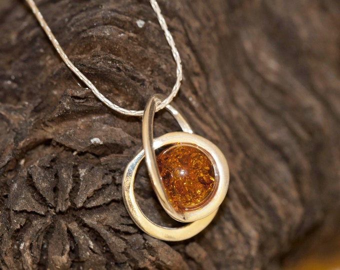Baltic Amber Pendant in Sterling Silver. Amber necklace, dainty necklace. Baltic Amber jewelry. Silver necklace. Perfect gift for her 925