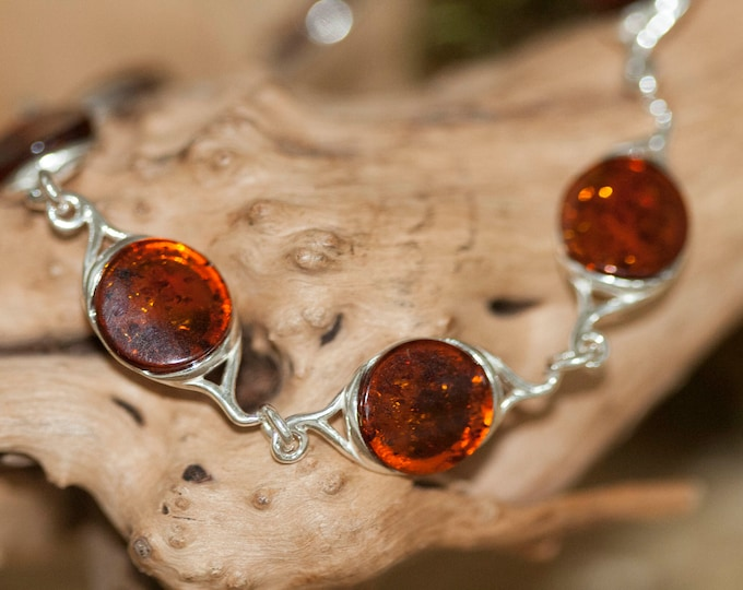 Cognac amber bracelet. Baltic amber in sterling silver setting. Amber bracelet. Links bracelet. Gift for her.