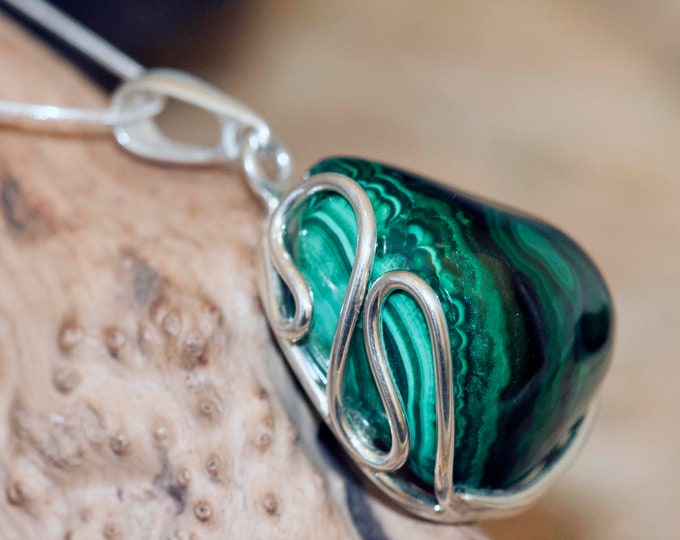 Malachite Pendant in Sterling Silver, Perfect gift for her, Malachite necklace, Silver pendant,Malachite jewelry, malachite. Elegant pendant