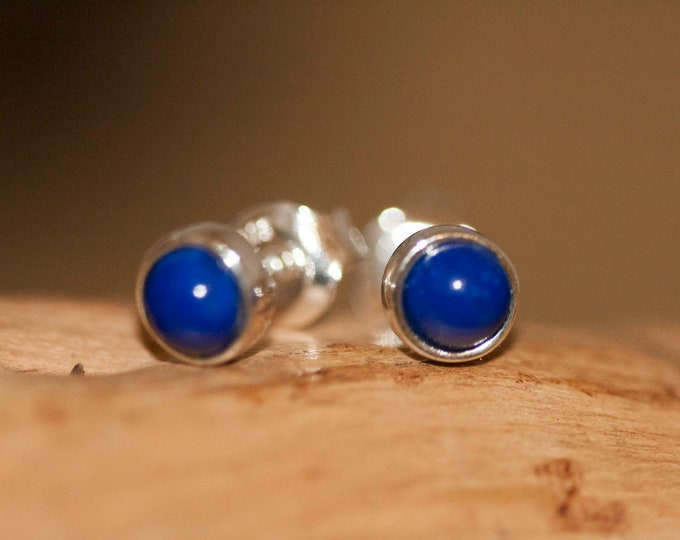 Lapis Lazuli earrings fitted in a Sterling Silver setting. Silver earrings. Lapis stone. Perfect gift for her. Contemporary  jewelry.