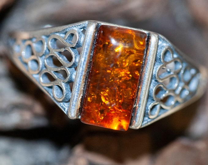 Baltic amber ring. Sterling silver setting. Silver band. Cognac amber. Perfect gift. Rectangular ring. Amber jewelry. Celtic design. Unique.