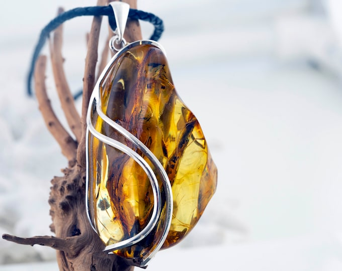 Baltic Amber Pendant. Amber & sterling silver. Unique piece of amber. Amber inclusions. Satement pendant. Perfect gif. Genuine amber.