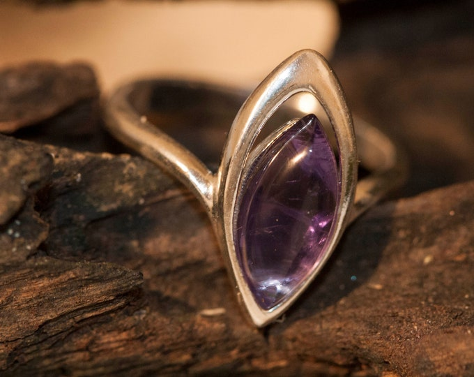 Amethyst ring. Amethyst & sterling silver, unique ring, statement ring, contemporary ring, designer ring, Valentine's Day gift
