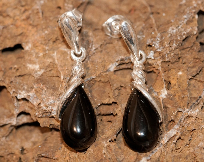 Whitby Jet Earrings. Sterling Silver Earrings, British jewellery. Contemporary jewelry. Perfect gift. Genuine Whitby Jet. Elegant design