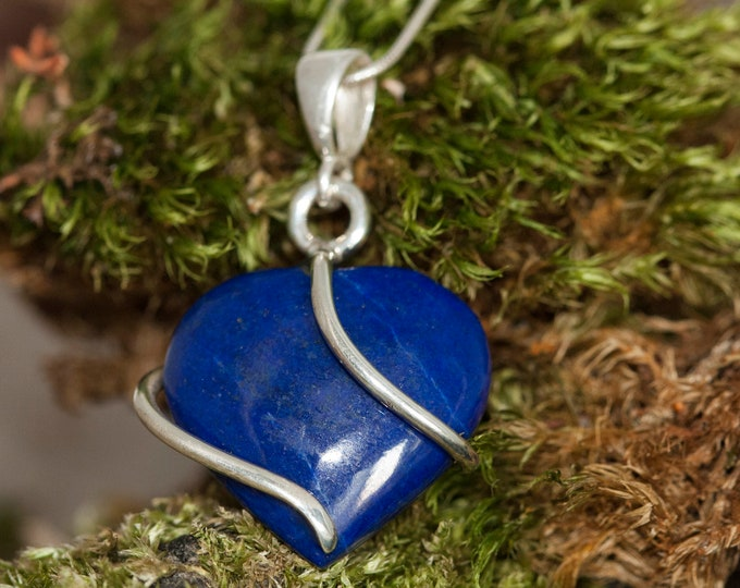 Lapis Lazuli Pendant fitted in Sterling Silver setting. Heart shaped Lapis Lazuli pendant. Valentine's Day gift. Contemporary jewelry.