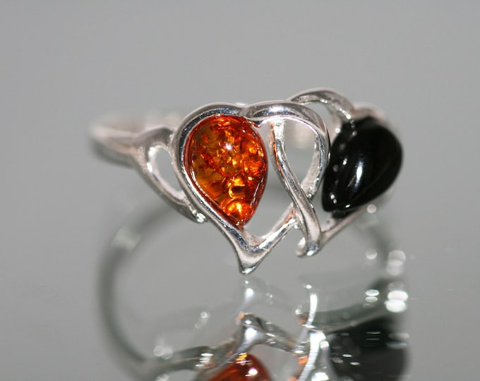 Two hearts Whitby Jet and Amber ring. Sterling Silver Ring.British jewelllery Valentine's Day gift. Contemporary ring. Genuine Whitby Jet.