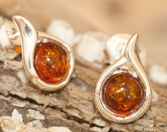 Studs earrings. Sterling silver and cognac amber earrings. Celtic. Perfect gift for her. Viking design.  Amber jewellery, amber jewelry