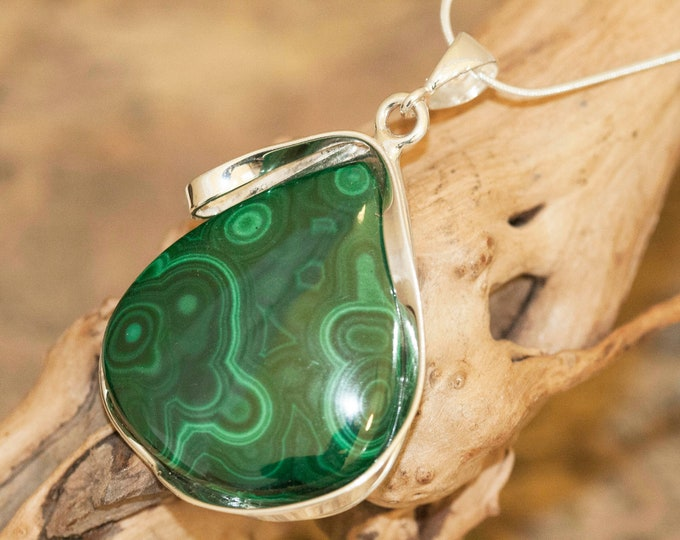 Malachite Pendant in Sterling Silver, Perfect gift for her, Malachite necklace, Silver pendant,Malachite jewelry, malachite. Elegant pendant