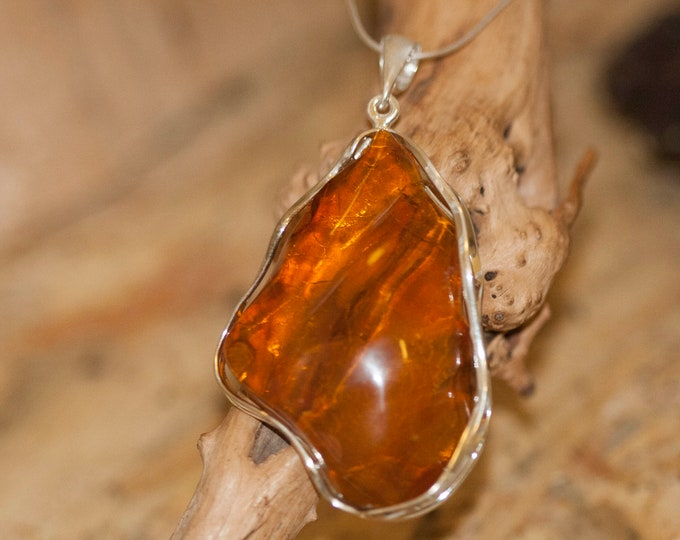 Large Amber Pendant in Sterling Silver. Amber necklace, silver pendant. Baltic Amber jewelry. Perfect gift for her. Statement necklace.
