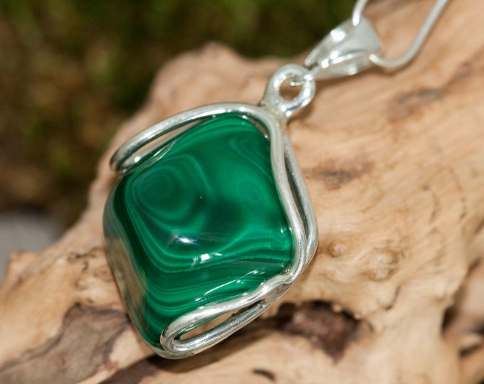 Malachite Pendant in Sterling Silver, Perfect gift for her, Malachite necklace, Silver pendant, Malachite jewelry, malachite