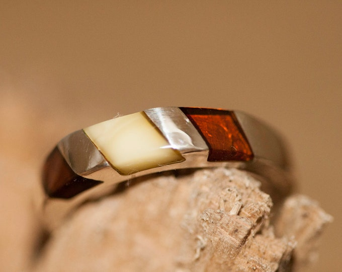 Cognac and milky amber ring.Multicolor amber shades fitted in sterling silver setting. Statement ring. Silver ring. Men ring. Unisex ring.
