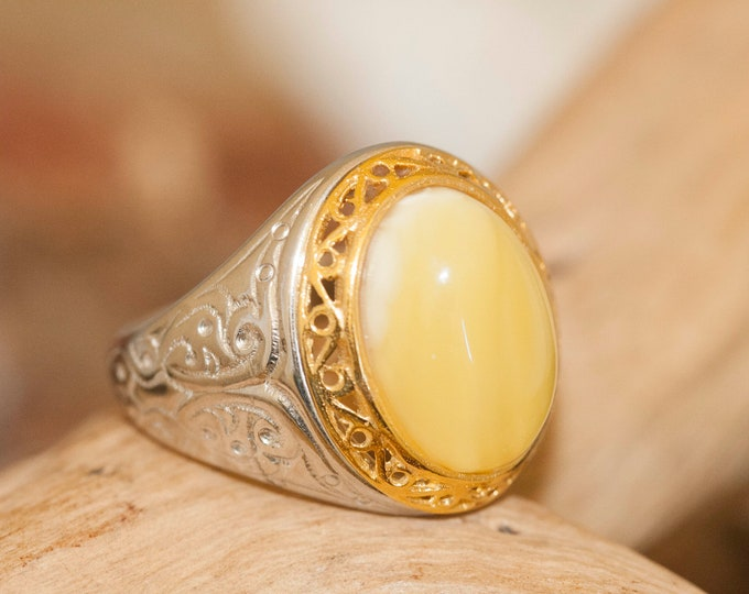 Amber & Gold Signet ring, Men signet ring, silver and gold, Unique milky amber. Men jewelry, Men ring, Gift for him. US size 7. Handmade