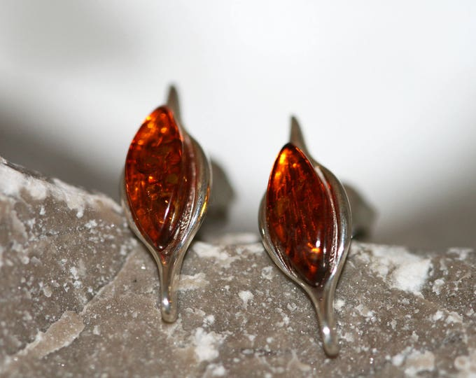 Amber&Silver. Sterling silver and cognac amber earrings.