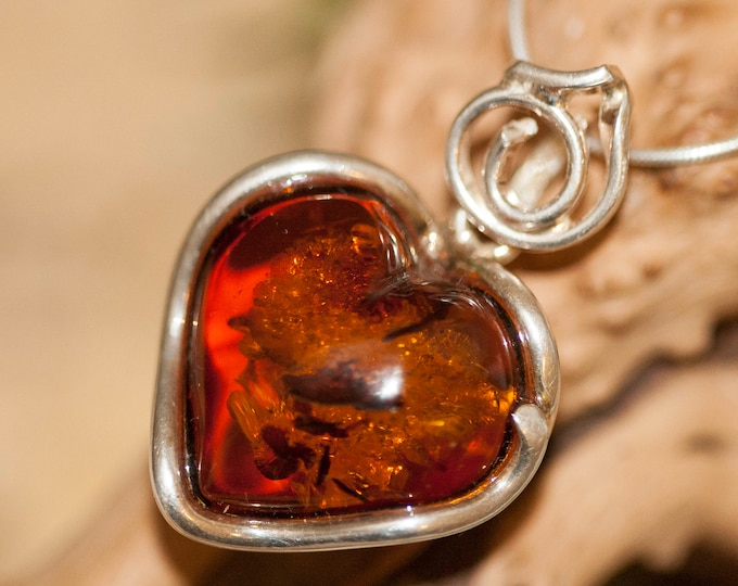 Heart Amber Pendant in Sterling Silver. Amber necklace, silver pendant. Baltic Amber jewelry. Perfect gift for her. Heart shape pendant.