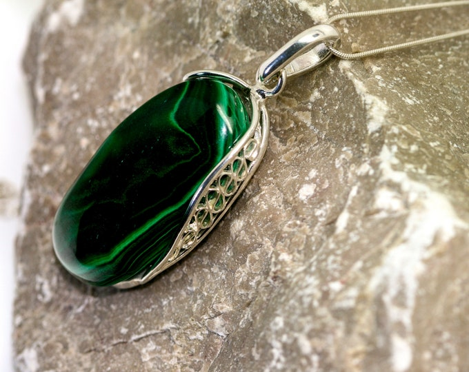 Eye-catching Malachite Pendant in Sterling Silver / Perfect gift for her / Malachite necklace / Silver pendant / Malachite jewelry /
