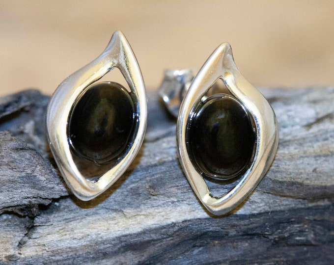 Whitby Jet Earrings. Sterling Silver Earrings. British jewellery. Contemporary jewelry. Perfect gift. Genuine Whitby Jet. Elegant studs