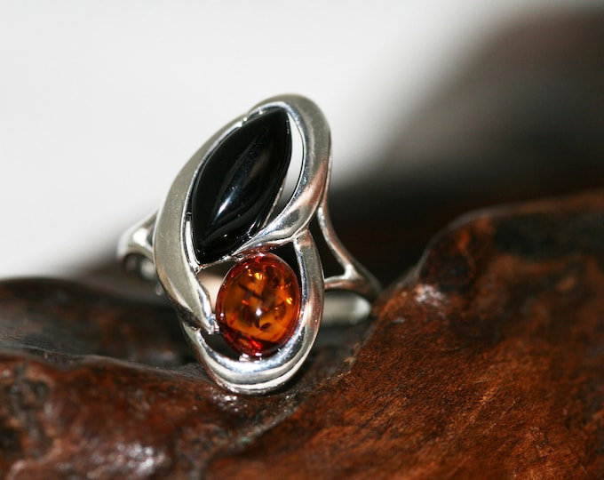 Splendid Whitby Jet and Amber ring. Sterling Silver Ring.Original British jewelllery.Contemporary jewelry. Perfect gift. Genuine Whitby Jet.
