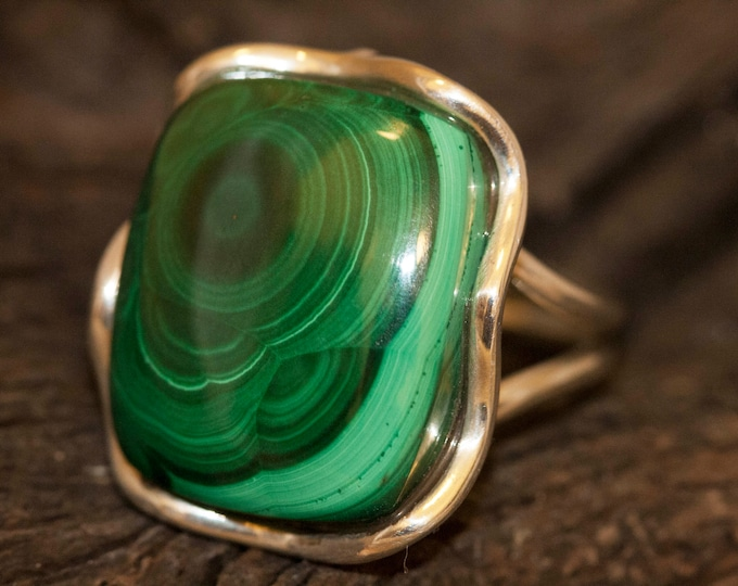 Malachite fitted in sterling silver setting. Silver ring, big ring women. Statement rings. Malachite rings. Design jewelry.