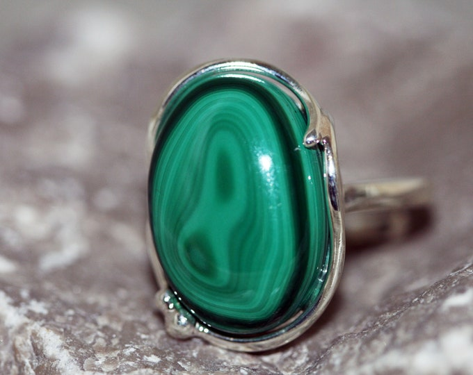 Malachite Ring fitted in sterling silver setting. Silver ring, signet ring women. Statement rings. Malachite rings. Design jewelry.