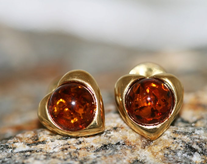 Amber & Gold. Heart shaped  Baltic amber earrings, gold earrings. Perfect gift for her. Amber jewelry. Handmade jewelry. Stud earrings.