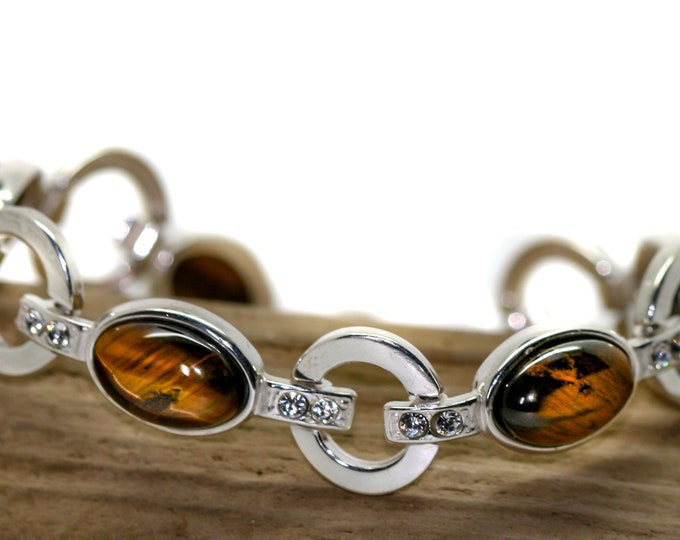 Tiger Eye bracelet fitted in Sterling Silver setting. Perfect gift for her. Tiger Eye bracelet. Silver jewelry tiger eye stone