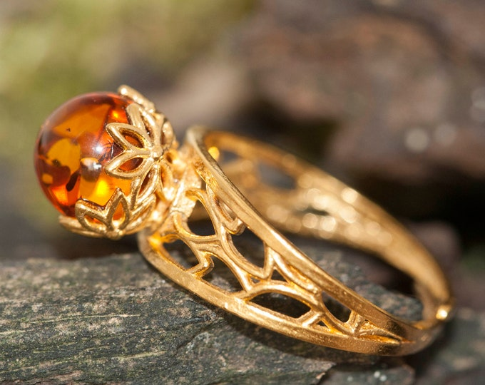 Baltic amber ring. Baltic amber & gold, unique ring, statement ring, contemporary ring, designer ring, Valentine's Day gift