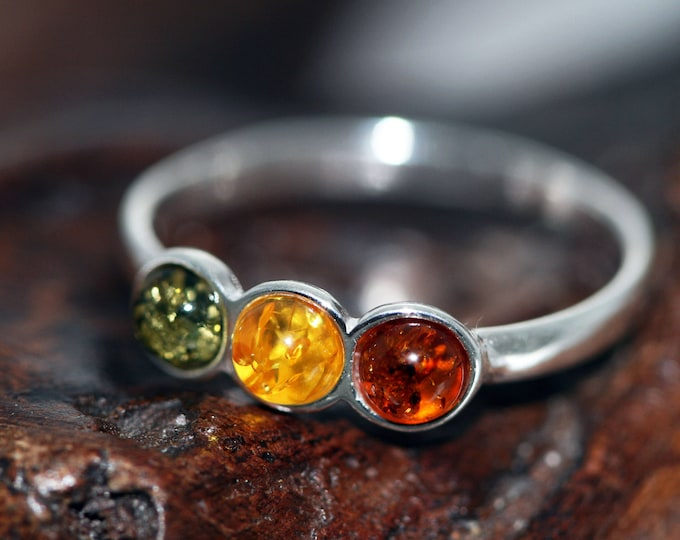 Baltic amber ring. Three kinds of Baltic amber & sterling silver setting. Valentine's Day gift. Designer ring. Amber jewelry. Modern ring