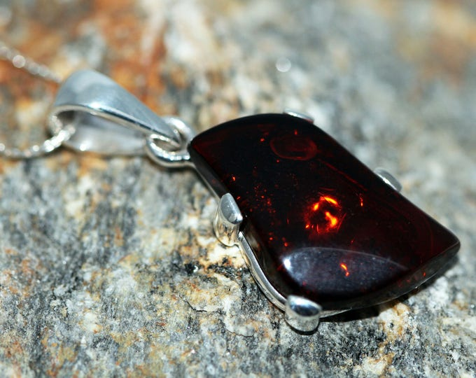 Baltic Amber Pendant in Sterling Silver. Amber necklace, silver pendant. Baltic Amber jewelry. Silver necklace. Perfect gift for her. 925,