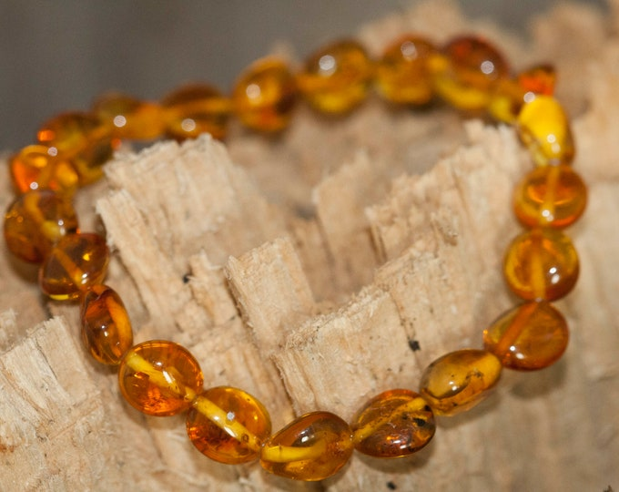 Gorgeous Amber bracelet.  Polished amber beads bracelet. Summer jewellery. Great gift. Unisex bracelet. Boho jewelry. Baltic amber