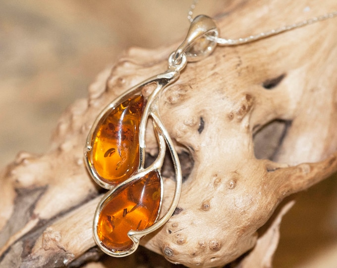 Amber Pendant in Sterling Silver. Amber necklace, silver pendant. Baltic Amber jewelry. Silver necklace. Perfect gift. Cognac amber