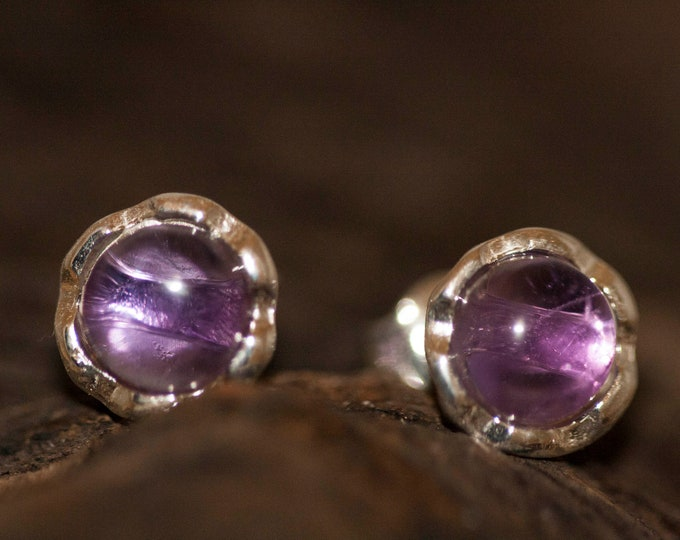 Amethyst Earrings fitted in a Sterling Silver. Studs amethyst earrings .Amethyst jewelry, elegant earrings. Studs earrings