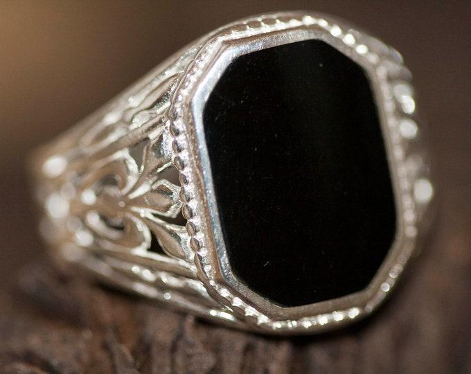 Whitby jet signet ring, Men signet ring, silver signet ring,Men jewelry,Men ring, Gift for him, Viking jewelry, whitby jet ring. US size 9.5