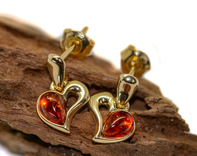 Amber & Gold. Heart shaped Baltic amber earrings, gold earrings. Valentine's Day gift. Amber jewelry. Handmade jewelry. Dangle earrings.