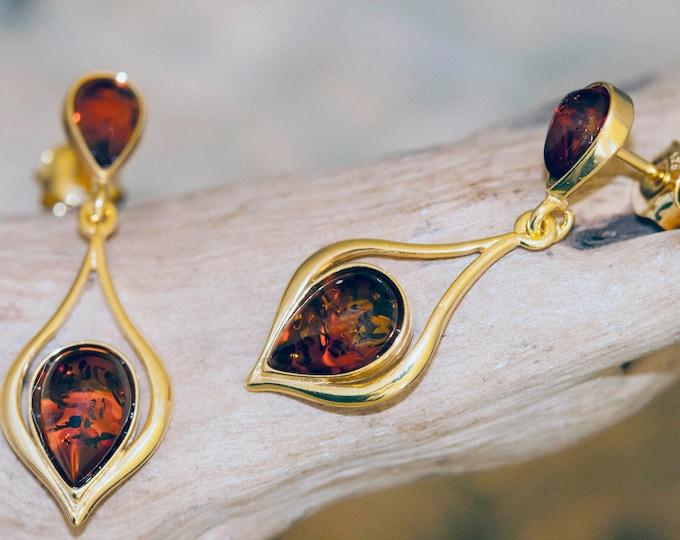 Amber & Gold. Baltic amber earrings. Gold earrings. Long earrings. Perfect gift for her. Amber jewelry. Handmade jewelry. Dangle earrings