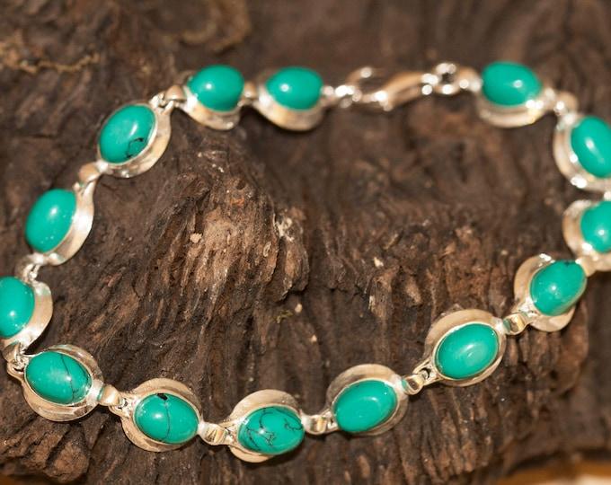 Genuine turquoise bracelet. Turquoise in sterling silver setting. Elegant bracelet. Links bracelet. Gift for her. Contemporary bracelet.