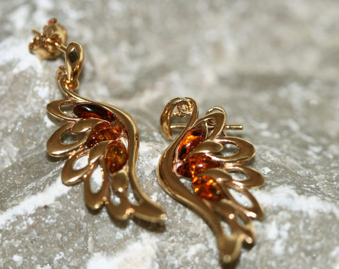 Amber & Gold. Angel Wings Baltic amber earrings, gold earrings. Perfect gift for her. Amber jewelry. Handmade jewelry. Stud earrings.